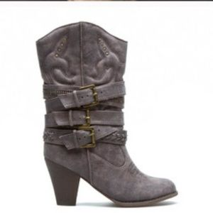 NEW LEILA STONE Cowboy Metal embellished BOOTS